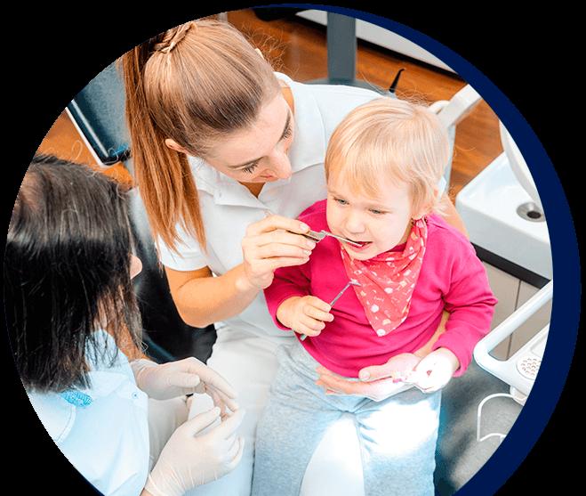 Odontopediatra para cuidados odontológicos na infância